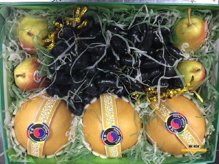 Đặt giỏ trái cây TPHCM - Quà tặng vợ kỷ niệm 1 năm ngày cưới 3