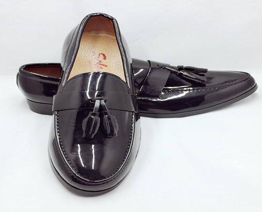 Mẹo nhận biết giày da nam thật giả