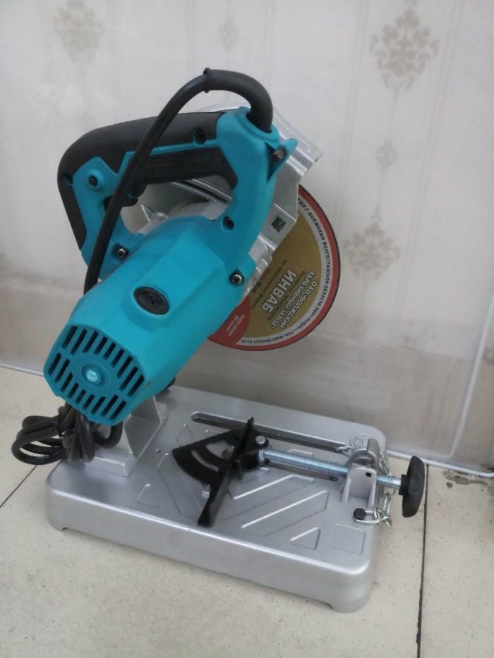 Những lợi ích tuyệt vời của máy cắt sắt mini Makita
