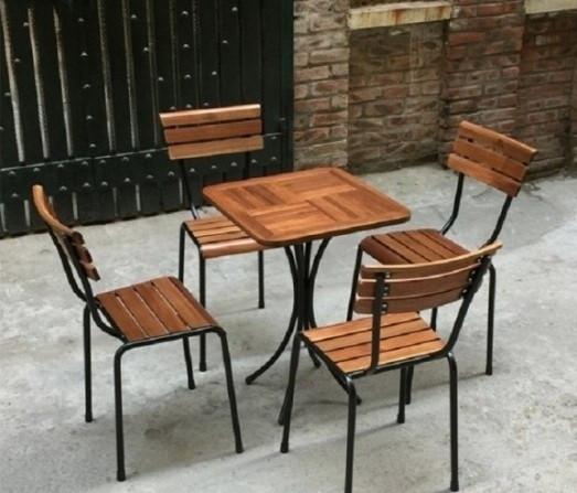 Những lưu ý khi chọn mua bàn ghế gỗ cho quán cafe