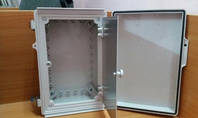 Tủ điện nhựa chống thấm nước IP67 có ưu điểm gì?