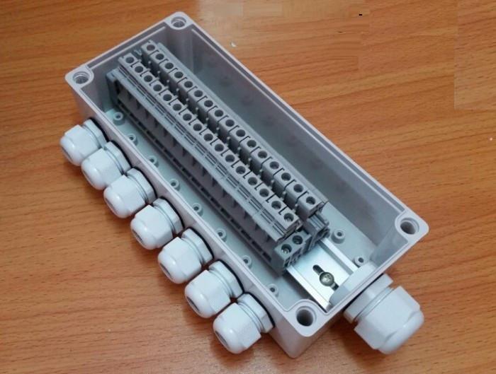 Tủ điện nhựa chống thấm nước IP67 có ưu điểm gì?(1)