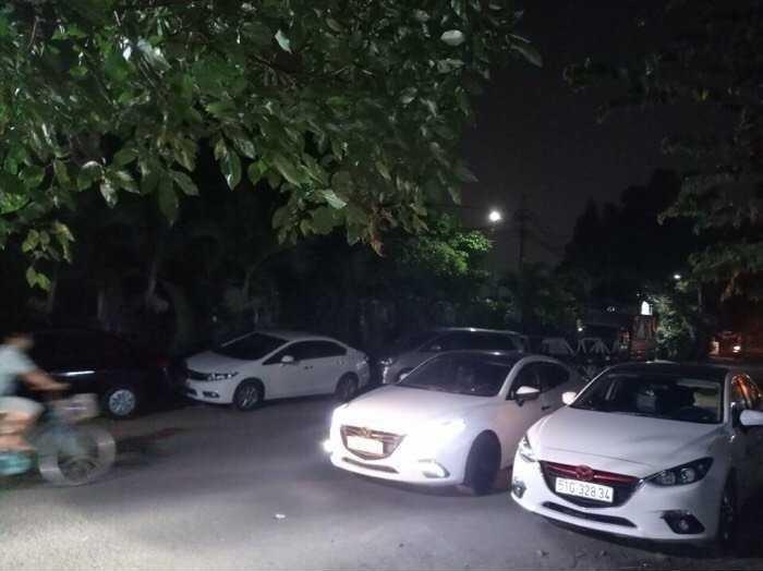 Cho thuê xe 4 chỗ Mazda 3 giá rẻ tại TPHCM(3)