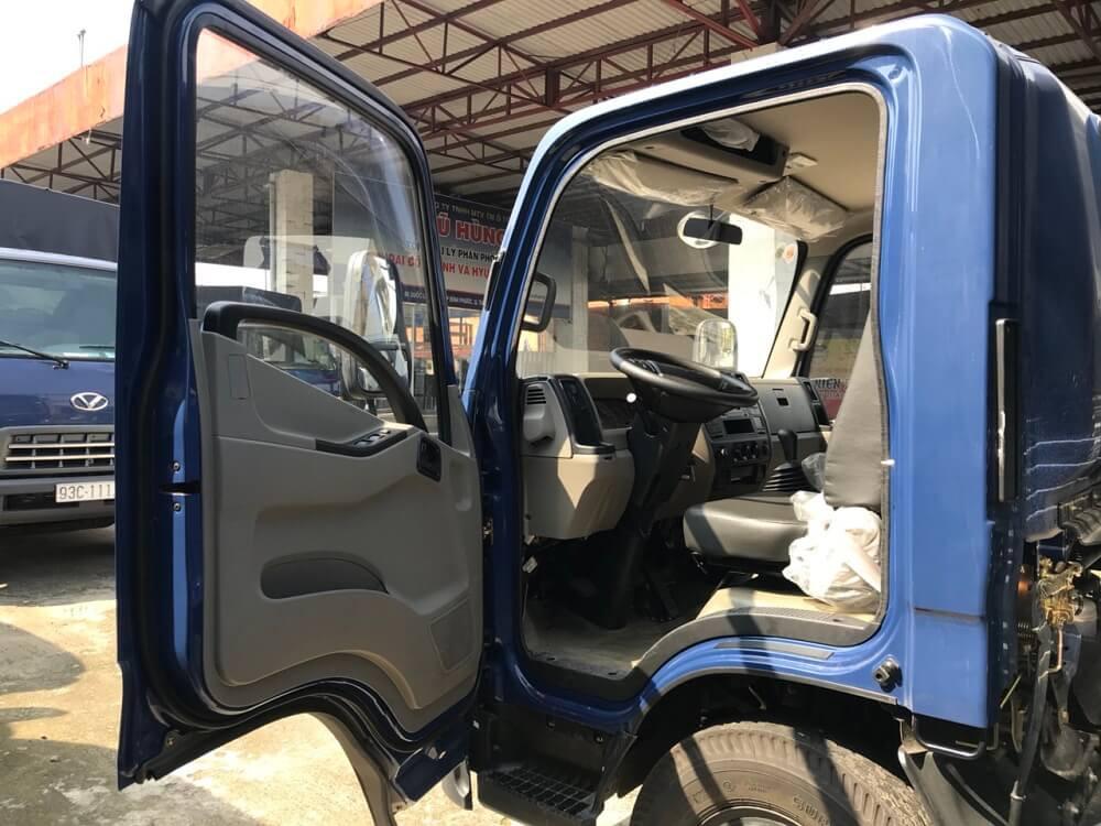 Nội thất xe tải 3.5 tấn IZ65 Đô Thành khá tiện nghi sang trọng