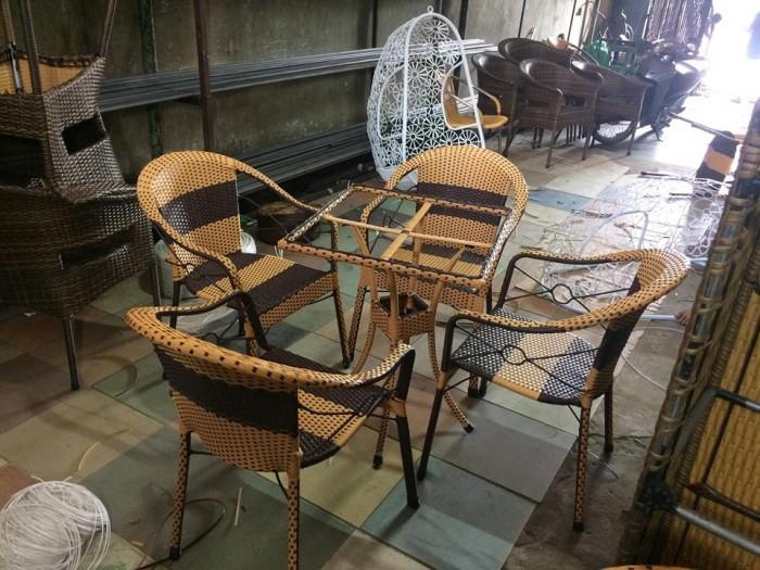 Kinh nghiệm chọn mua bàn ghế giả mây thanh lý(1)