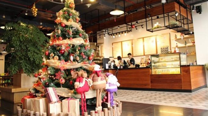 Ý tưởng trang trí Giáng Sinh độc đáo cho quán cafe 1
