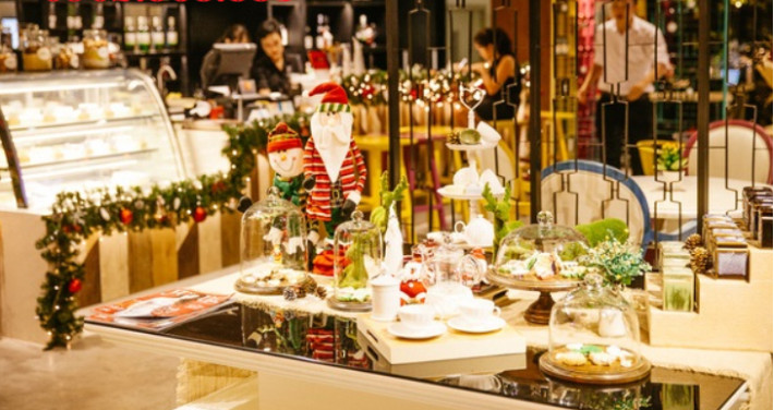 Ý tưởng trang trí Giáng Sinh độc đáo cho quán cafe 3