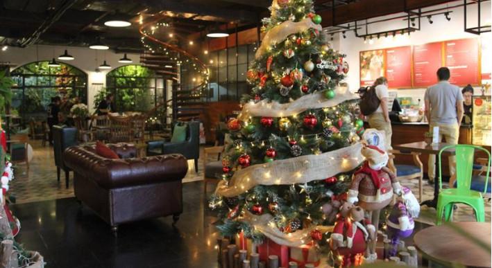 Ý tưởng trang trí Giáng Sinh độc đáo cho quán cafe 4