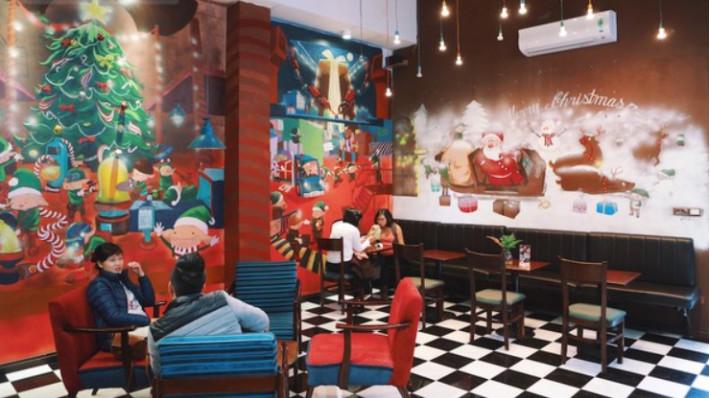 Ý tưởng trang trí Giáng Sinh độc đáo cho quán cafe 5