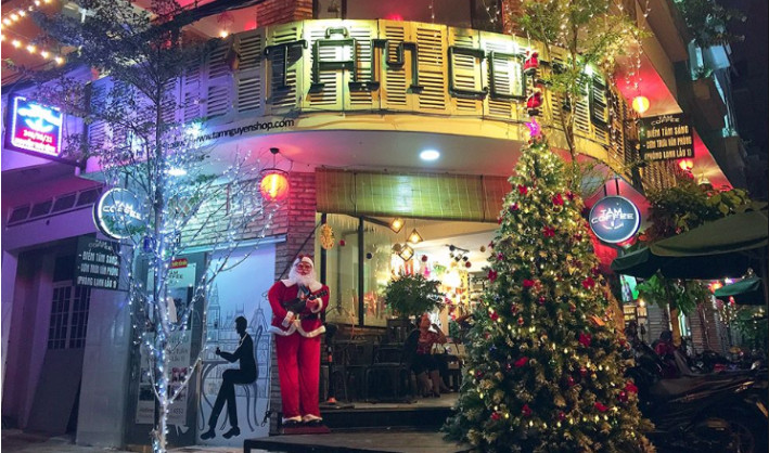 Ý tưởng trang trí Giáng Sinh độc đáo cho quán cafe 7