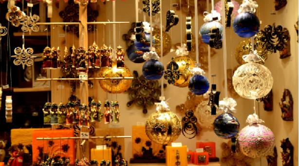 Ý tưởng trang trí Giáng Sinh độc đáo cho quán cafe 12