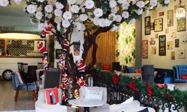 Ý tưởng trang trí Giáng Sinh độc đáo cho quán cafe 13