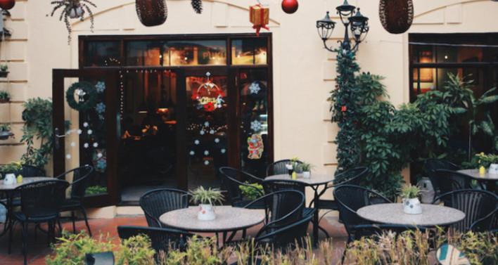 Ý tưởng trang trí Giáng Sinh độc đáo cho quán cafe 15