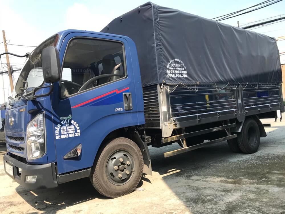Giá xe tải 3.5 tấn Hyundai IZ65 thùng mui bạt