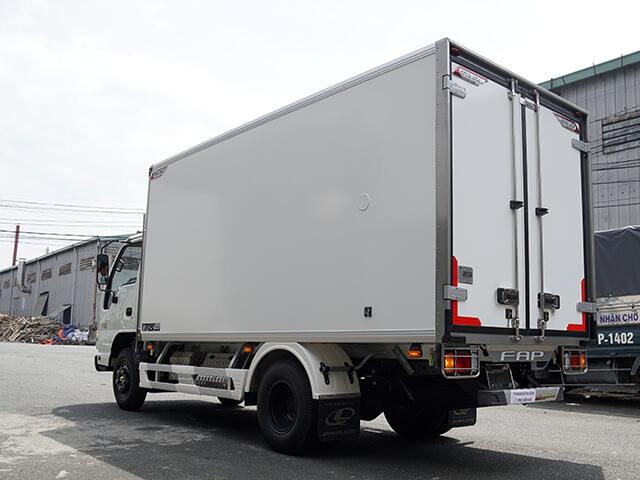 Giá xe tải Isuzu 1.4 tấn thùng đông lạnh(1)