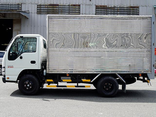 Giá xe tải Isuzu 1.4 tấn thùng kín