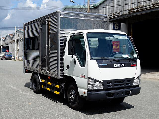 Giá xe tải Isuzu 1.4 tấn thùng kín(1)