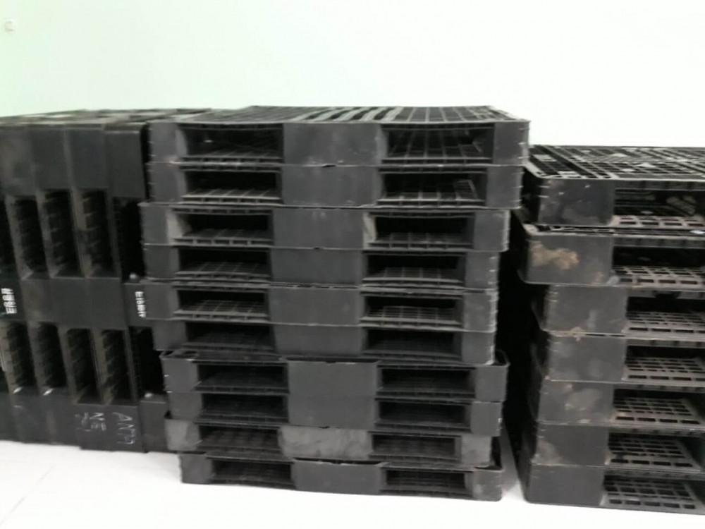 kích thước pallet nhựa cũ 1200x1000x120mm màu đen - 3