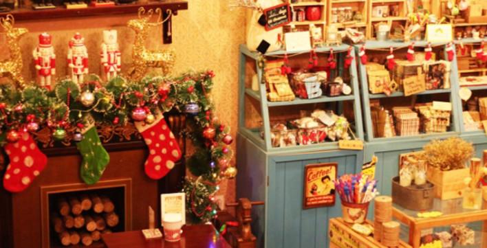 Ý tưởng trang trí Giáng Sinh độc đáo cho quán cafe 28