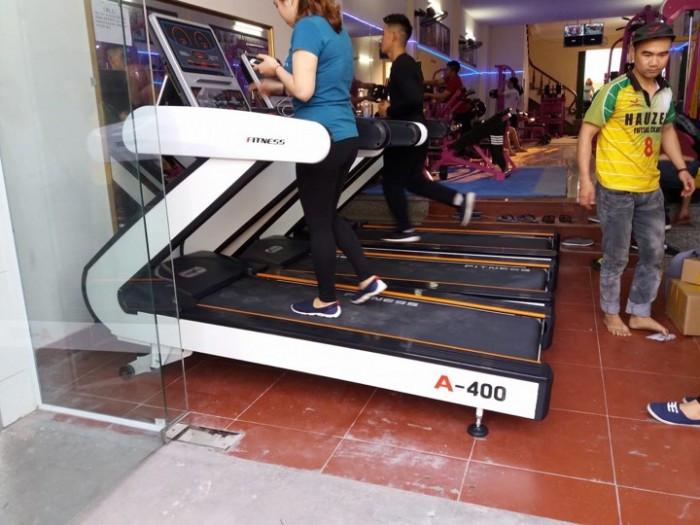 Giảm cân hiệu quả với máy chạy bộ đa năng