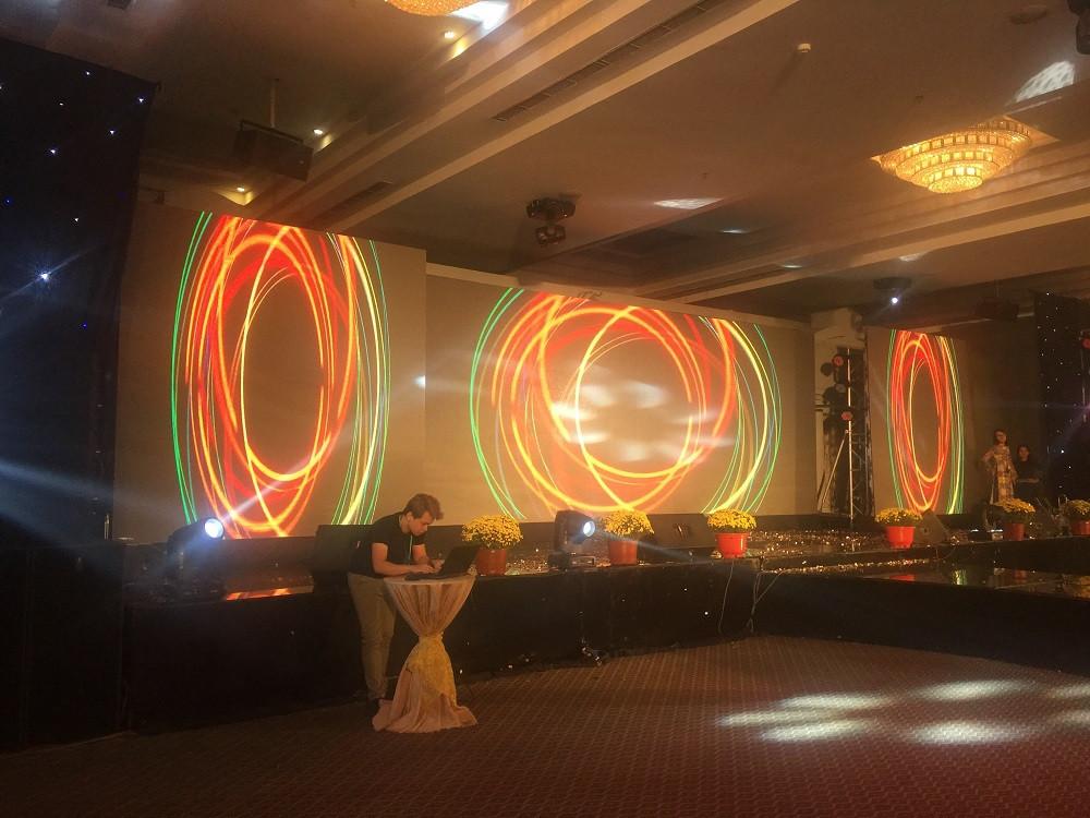 Cho thuê màn hình Led tiệc tất niên cty ACE COOK tại Adora từ Màn hình Led Âu Lạc (Alta Media)