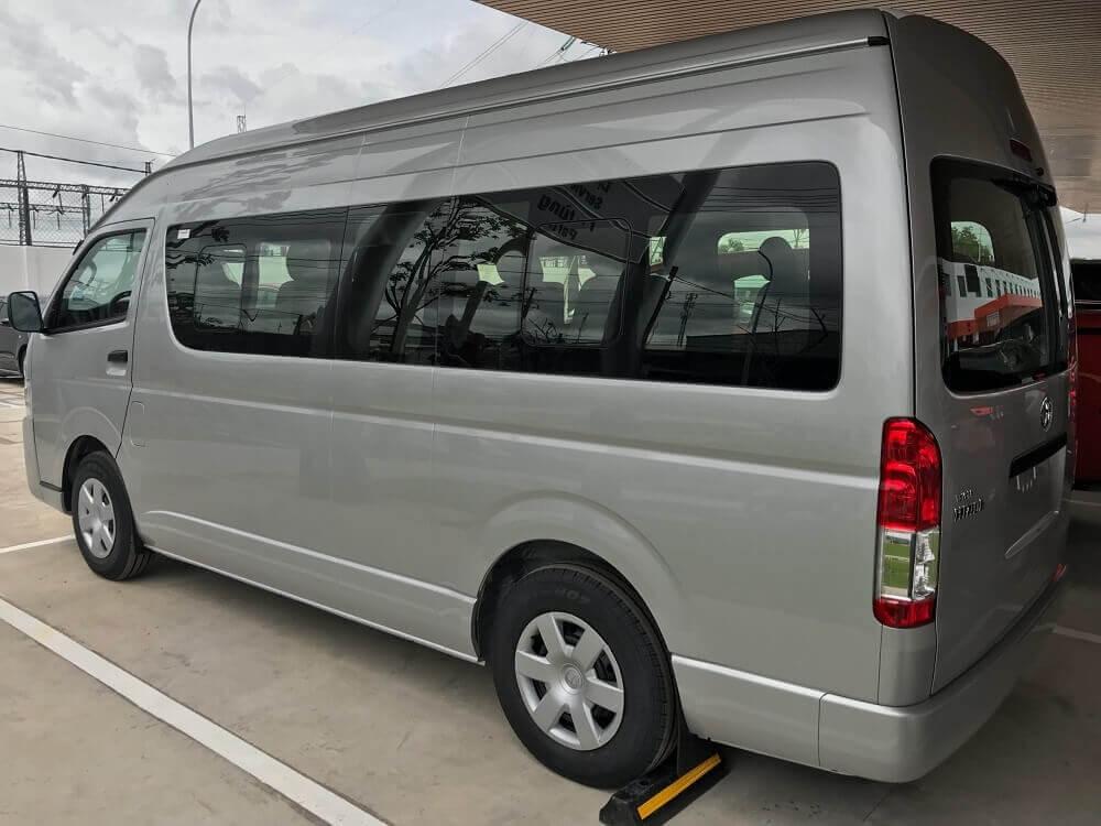 Vận hành và an toàn Toyota Hiace 2019