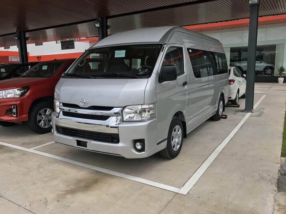 Giá xe Toyota Hiace 2019 mới nhất gây nhiều bất ngờ