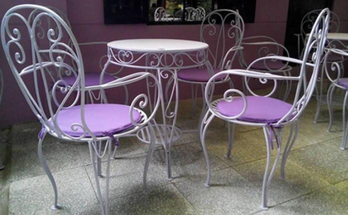 Kinh nghiệm chọn mua bàn ghế sắt mỹ nghệ đẹp, giá rẻ(1)