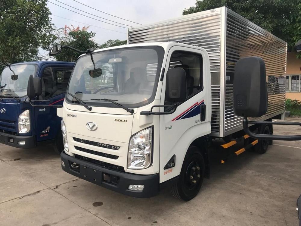 Ngoại thất xe tải 2.5 tấn Hyundai IZ65 thùng kín