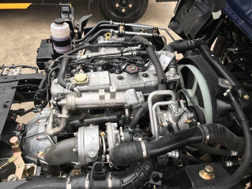Động cơ xe tải 2.5 tấn Hyundai IZ65 thùng kín