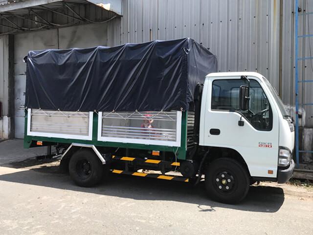 Giá xe tải Isuzu 2.4 tấn thùng mui bạt(4)