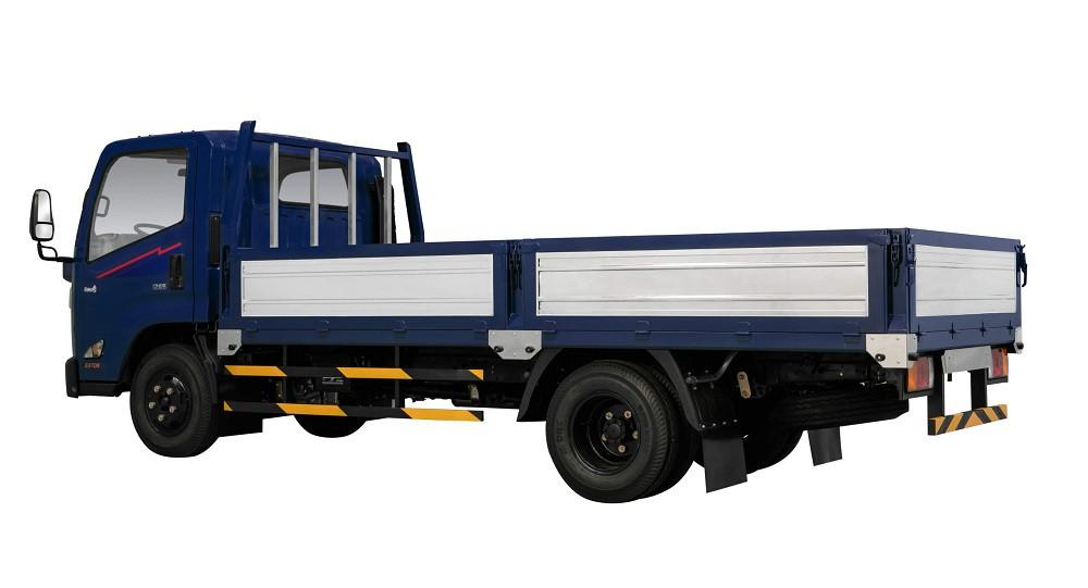 Xe tải 2.5 tấn Hyundai IZ65 thùng lửng trang bị động cơ mạnh mẽ, tiết kiệm nhiên liệu
