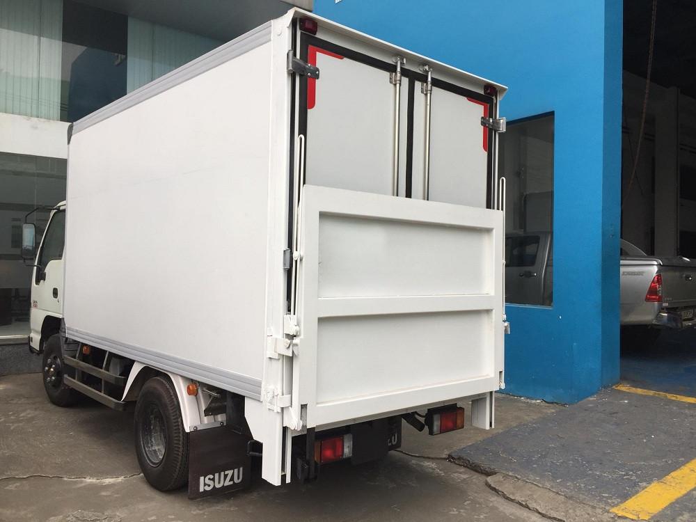 Giá xe tải Isuzu 2.4 tấn thùng đông lạnh(3)
