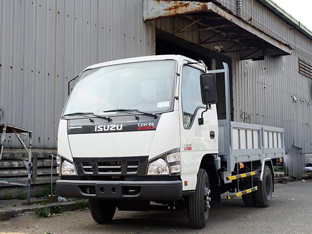 Giá xe tải Isuzu 2.4 tấn thùng lửng(4)