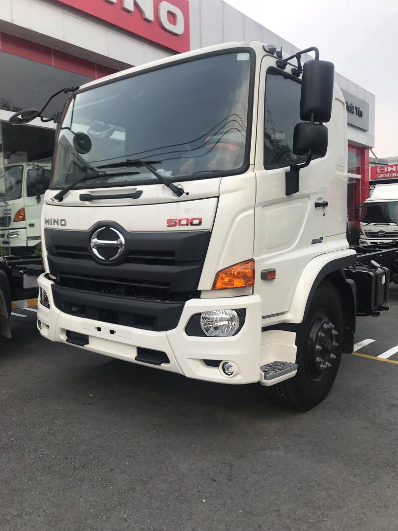 Giá xe tải Hino 16 tấn thùng kín(1)