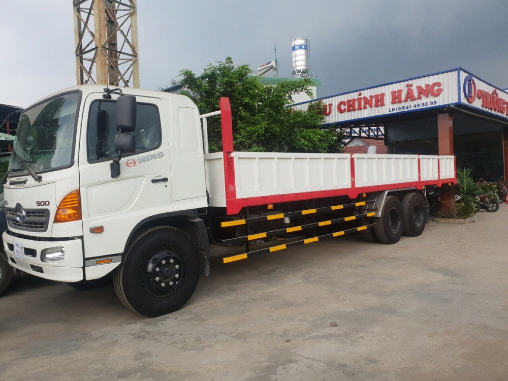 Giá xe tải Hino 16 tấn thùng lửng