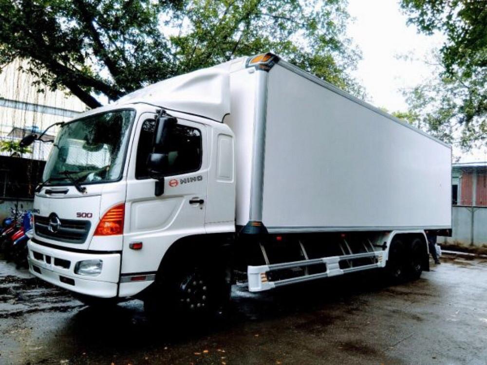 Giá xe tải Hino 16 tấn thùng đông lạnh(1)