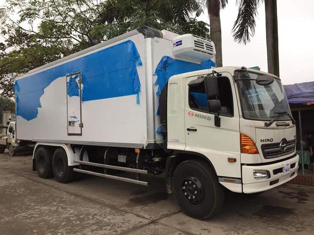 Giá xe tải Hino 16 tấn thùng đông lạnh(3)