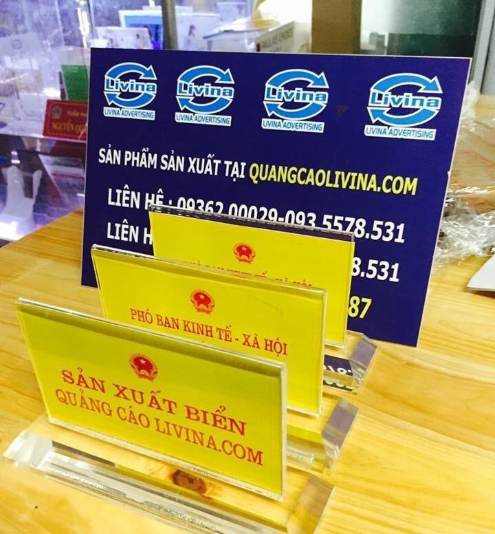 Kệ chức danh để bàn giá rẻ tiện lợi sang trọng  tại Quảng Cáo Livina(3)