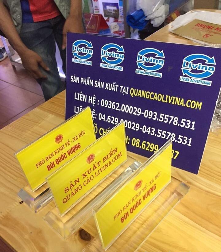 Kệ chức danh để bàn giá rẻ tiện lợi sang trọng  tại Quảng Cáo Livina(5)