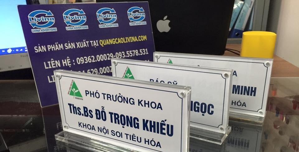Kệ chức danh để bàn giá rẻ tiện lợi sang trọng  tại Quảng Cáo Livina(6)