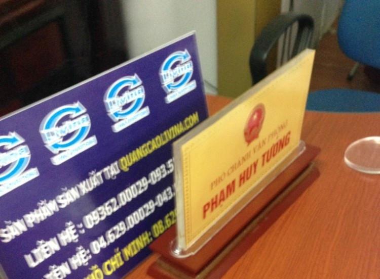 Kệ chức danh để bàn giá rẻ tiện lợi sang trọng  tại Quảng Cáo Livina(7)