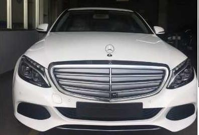 so sánh Mercedes C200 và C250 về giá bán, nội thất, ngoại thất, khả năng vận hành(1)