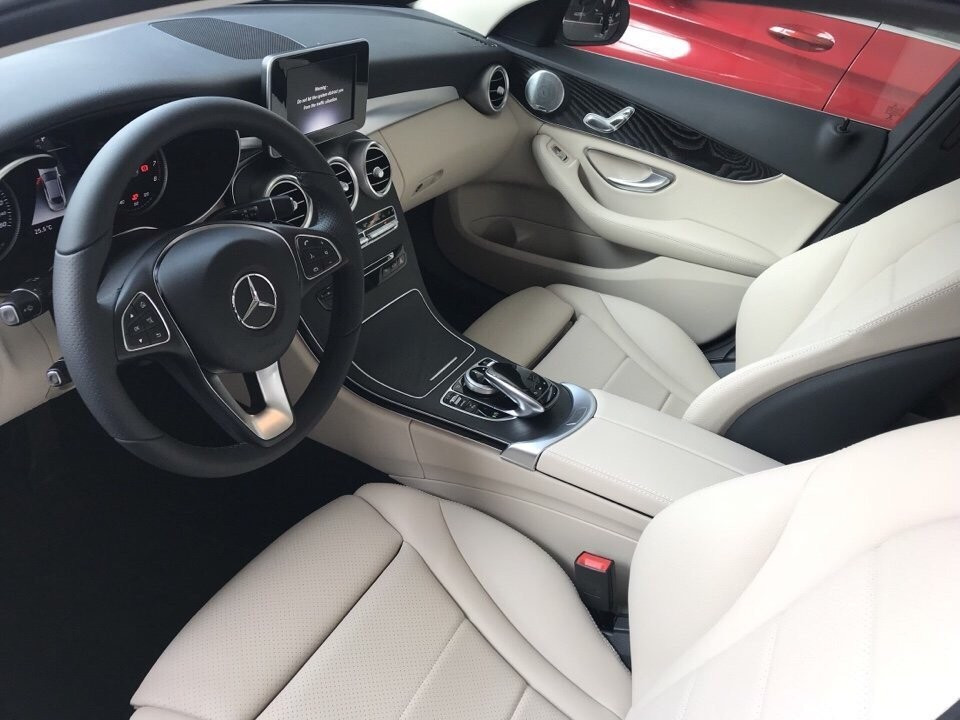 Bảng giá xe Mercedes c200 tại TPHCM mới nhất(7)