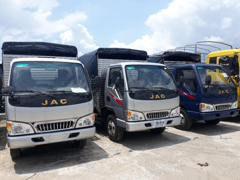Giá xe tải 2t4 - giá xe tải JAC thùng bạt mới nhất