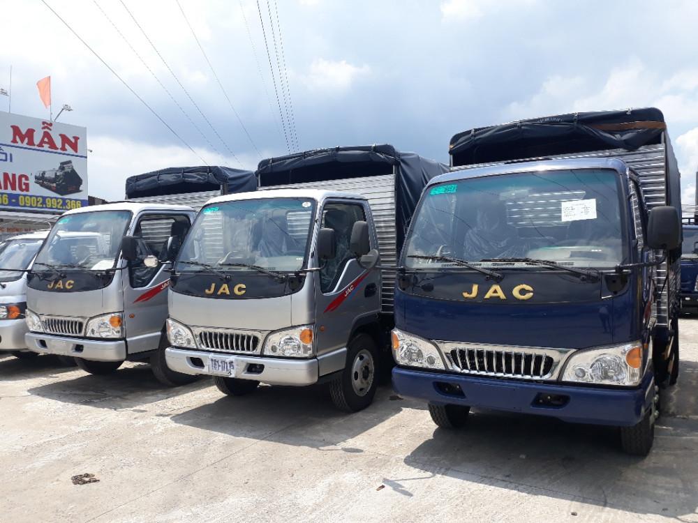 xe tải Jac 2T4 thùng bạt