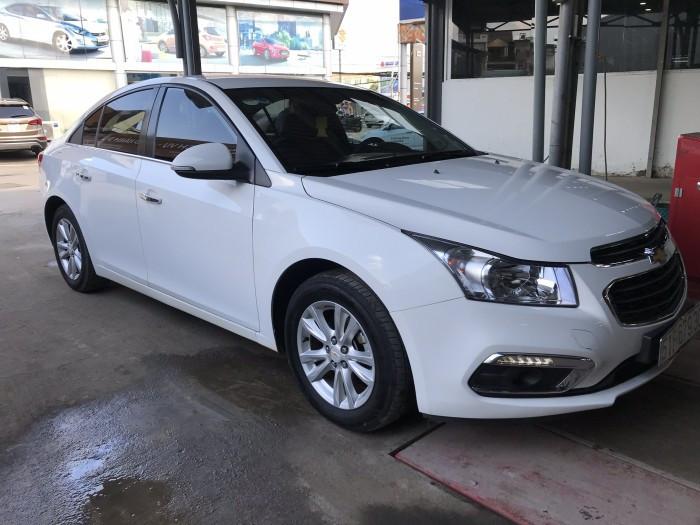 Chevrolet Cruze LT 1.6MT màu trắng số sàn sản xuất 2016 biển Sài Gòn