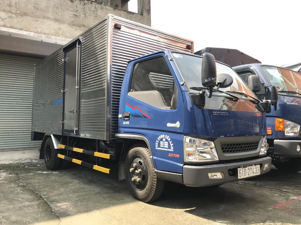 xe tải 2.5 tấn Hyundai IZ49 thùng kín