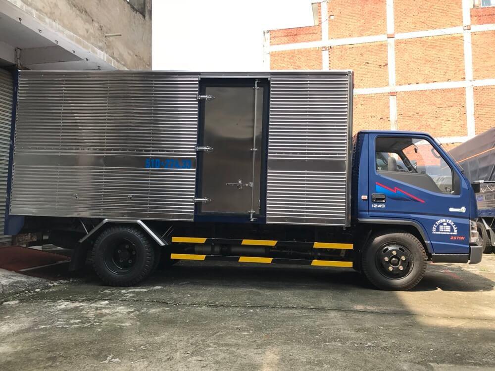 xe tải 2.5 tấn Hyundai IZ49 thùng kín - 2