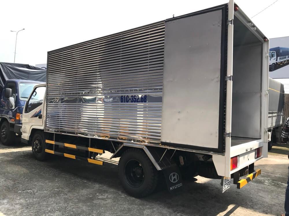 xe tải 2.5 tấn Hyundai IZ49 thùng kín - 3